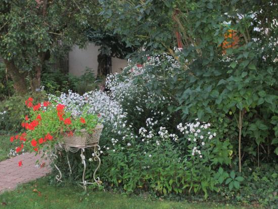 Auberge de Launay: Gardens