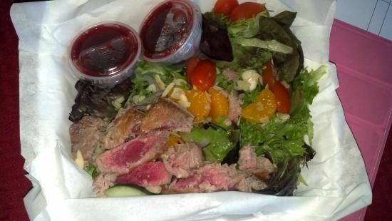Sea Glass Cafe and Bakery: Ahi Tuna Salad