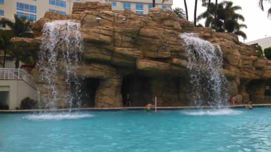 Seminole Hard Rock Hotel Hollywood: Pool area with Island bar and waterfalls