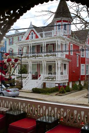 The Virginia Hotel: Red Cottage