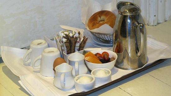 The Virginia Hotel: Complimentary breakfast