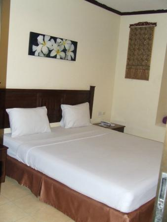 Patong Grand Ville Resort: My room