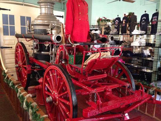 Houston Fire Museum: Original fire engine.
