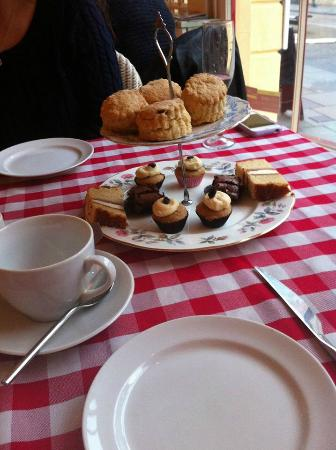 Leonora's Kitchen: Two tiers of treats!