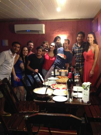 Walk On The Beach Hostel: Feliz Natal pot luck dinner