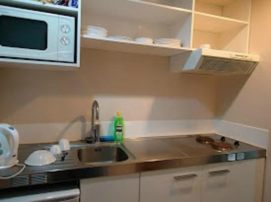 Empire Apartments: Cozinha