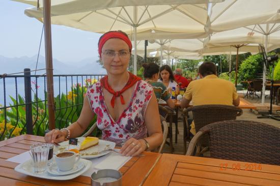 Karaalioglu Park : ресторан Нар