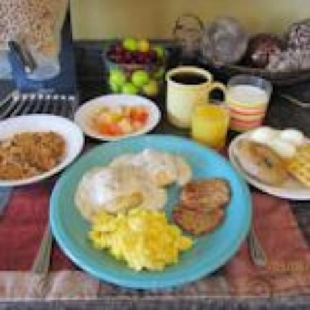 Lodge at the Falls: Deluxe Hot Breakfast