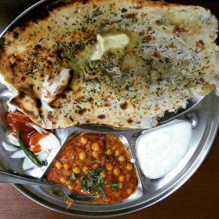 Golu da dhaba smethwick 160 rolfe st restaurant for Amritsari cuisine