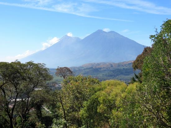 Stunning views picture of el tenedor del cerro antigua for El tenedor andorra