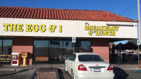 The Egg & I exterior, Las Vegas (Jan 2015).