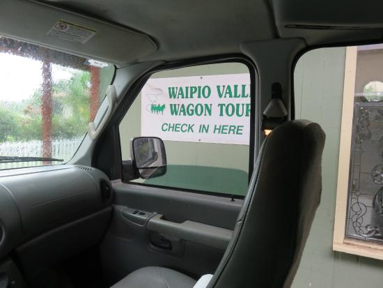 Waipi'o Valley Wagon Tours: Tour of Waipi'o Valley