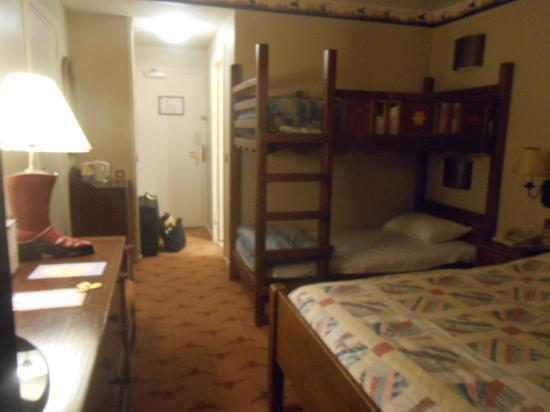 Chambre picture of disney 39 s hotel cheyenne marne la vallee tripadvisor - Chambre hotel santa fe disney ...