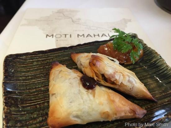 Moti Mahal: Samosa