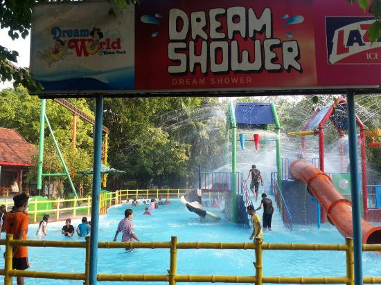 Chalakudy, India: Dream shower