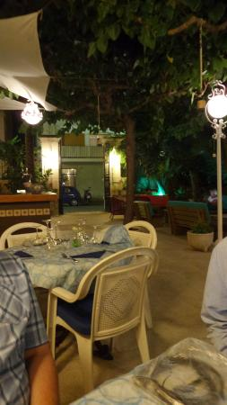 Restaurant El Xalet: bar area