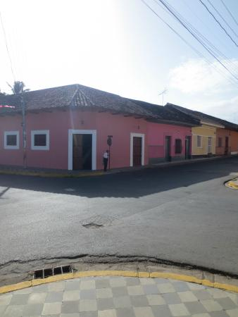 Hotel Casa Robleto : street view