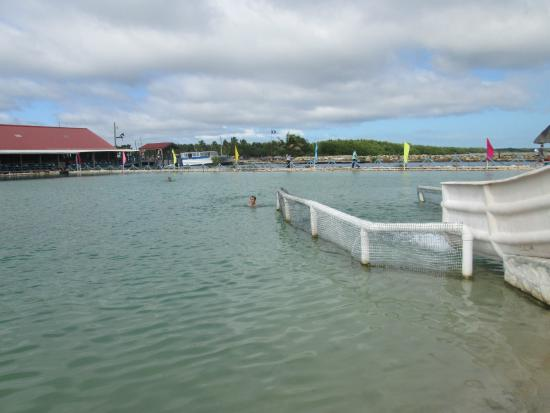 Old Belize Cultural and Historical Center: The lovely man-made lagoon!
