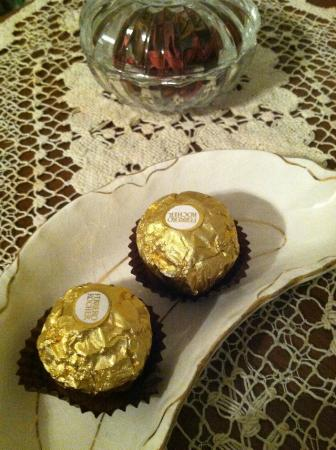 LeBlanc House Bed and Breakfast: chocolates in your room