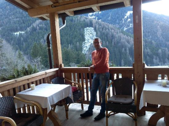 Hotel Bergschlössl: ...vista dal terrazzo