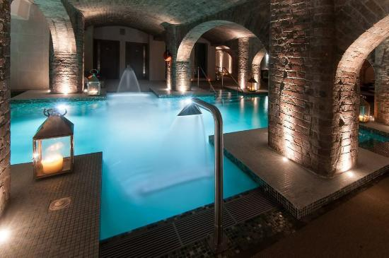 Wine In The Rum Warehouse Bar Picture Of Titanic Hotel Liverpool Liverpool Tripadvisor