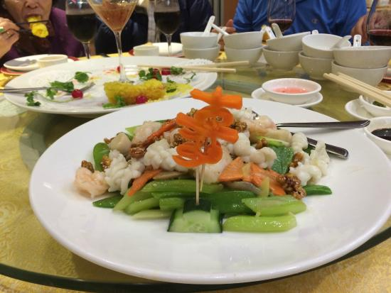 Victory Seafood Restaurant: Scallops, shrimp and veges