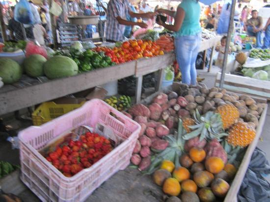 San Ignacio Market: Fresh fruit