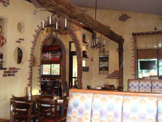 La Bella Italia: Interior of restaurant