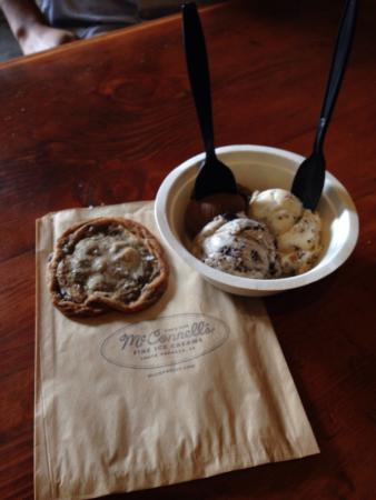 McConnell's Fine Ice Creams : Flight and choco chip cookie