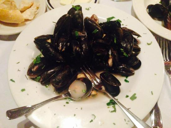 Bistro Soleil at the Olde Marco Inn : Mussels