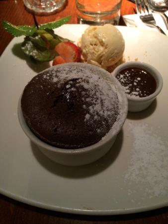 Raphael Restaurant: Chocolate fondant, to die for!