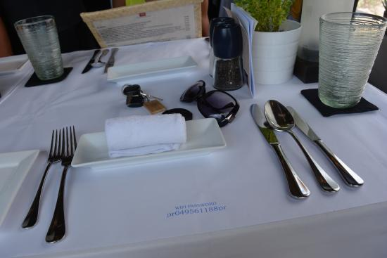 Privilege Restaurant & Bar: Table setting - cold towel refresher