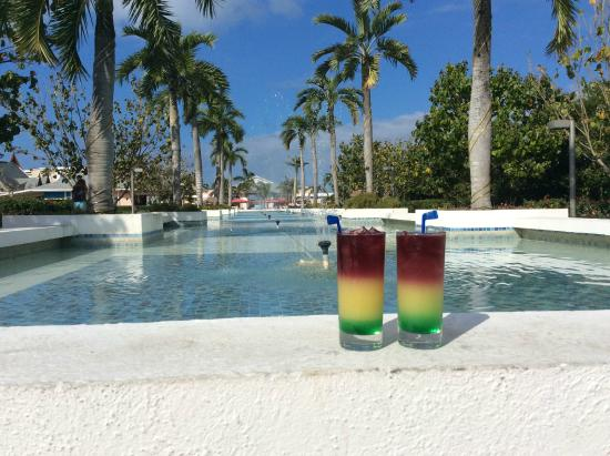 Pueblo pour shopping picture of hotel playa cayo santa for Club piscine repentigny