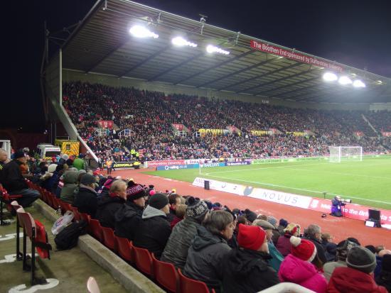 Britannia Stadium : 熱いゴール裏