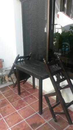 Pelicano Inn: Веранда
