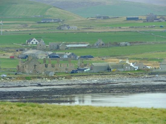 Brough Of Birsay: View from Brough over to Birsay (town)