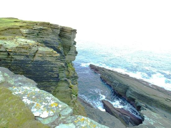 Brough Of Birsay: cliffs of the island