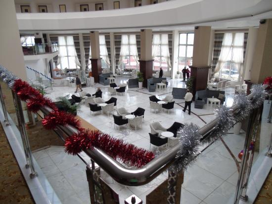 Orucoglu Thermal Resort: В ХОЛЛЕ ОТЕЛЯ