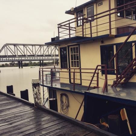 Captain Proud Paddle Boat Cruises: Captain Proud at the Murray Bridge warf