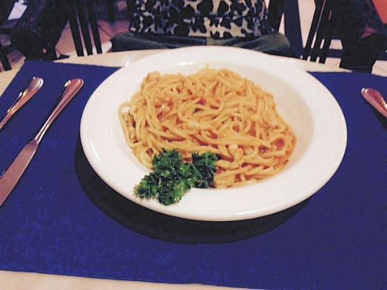 Garis Garis : spaghetti marinara