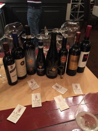 Solo alla Reggia degli Etruschi esiste una selezione di vini così....Fantastici������