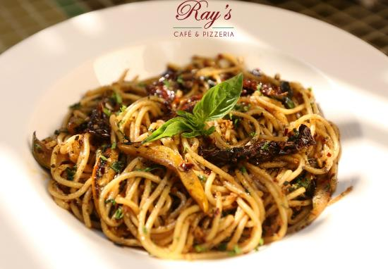 Ray's Cafe & Pizzeria: Sphagetti