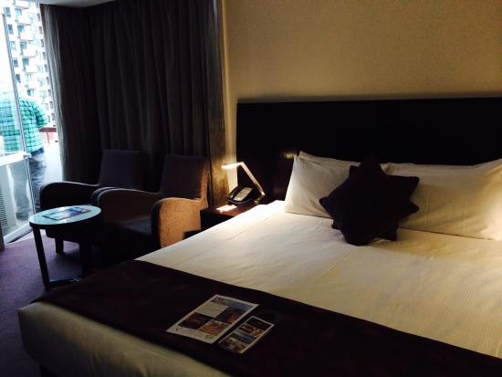 Grand Chancellor Melbourne: Lovely clean king room