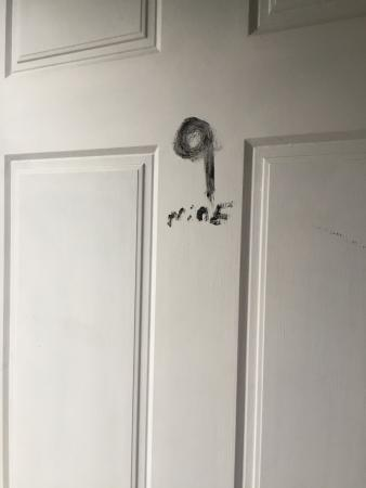 Miami Shore Motel: Painted on room number