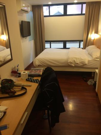 Win Long Place Hotel & Apartment: Room 208 at WinLong Place