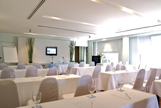 Ramada Phuket Southsea: Conference Room