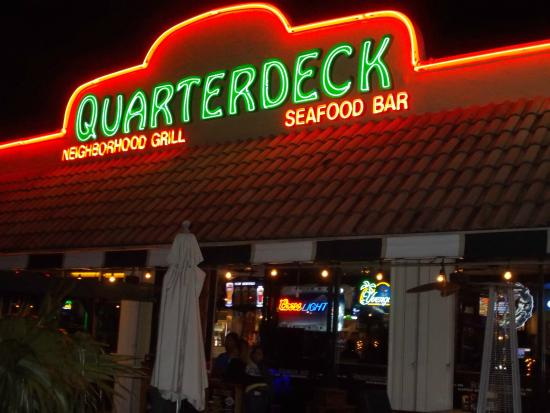 Quarterdeck picture of quarterdeck fort lauderdale for Fish restaurant fort lauderdale