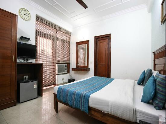 Yuvraj Deluxe Hotel: Deluxe Room