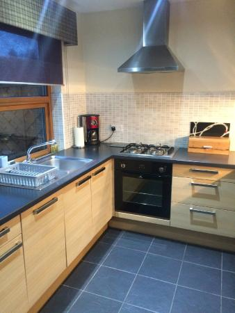 Loch Lomond Waterfront: Fully equipped kitchen