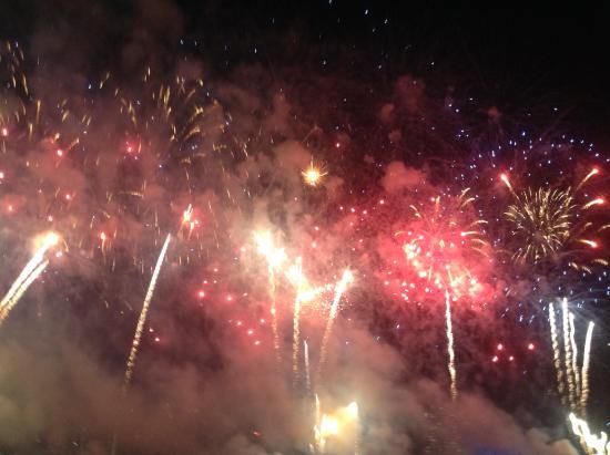 Happy New Year Hotel 33